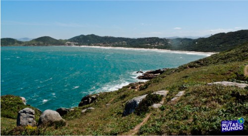 Praia-do-Rosa-un-paraiso-en-el-sur-de-Brasil-3