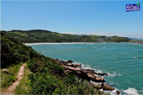 Praia-do-Rosa-un-paraiso-en-el-sur-de-Brasil-4