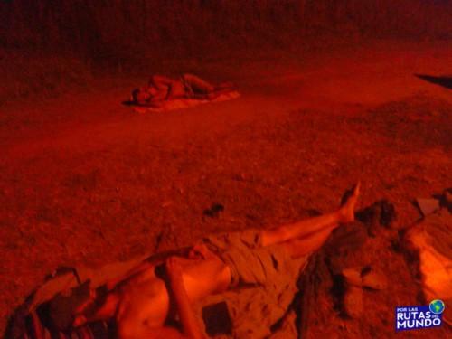 durmiendo al costado de la ruta en uruguay - vuelta a buenos aires de pelicula