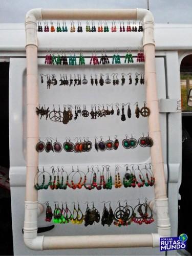 trabajar en temporada en brasil - uno de nuestros puestos de artesanías