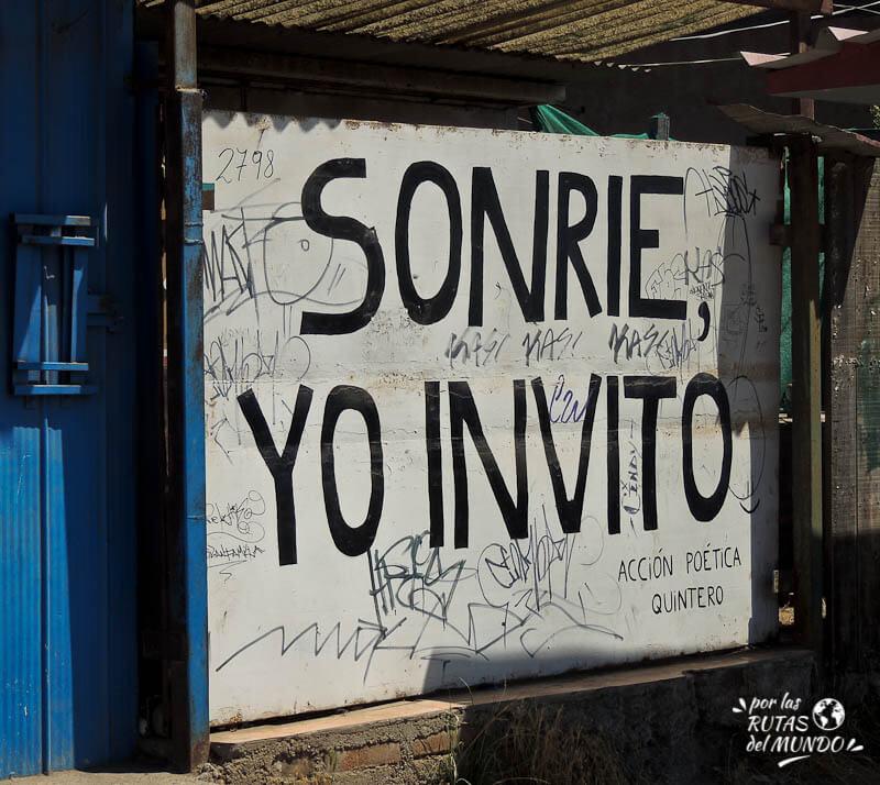 por-las-rutas-del-mundo-graffitti-en-quinteros-chile