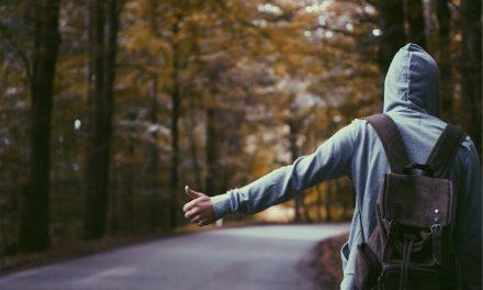 Los pros y contras de viajar a dedo