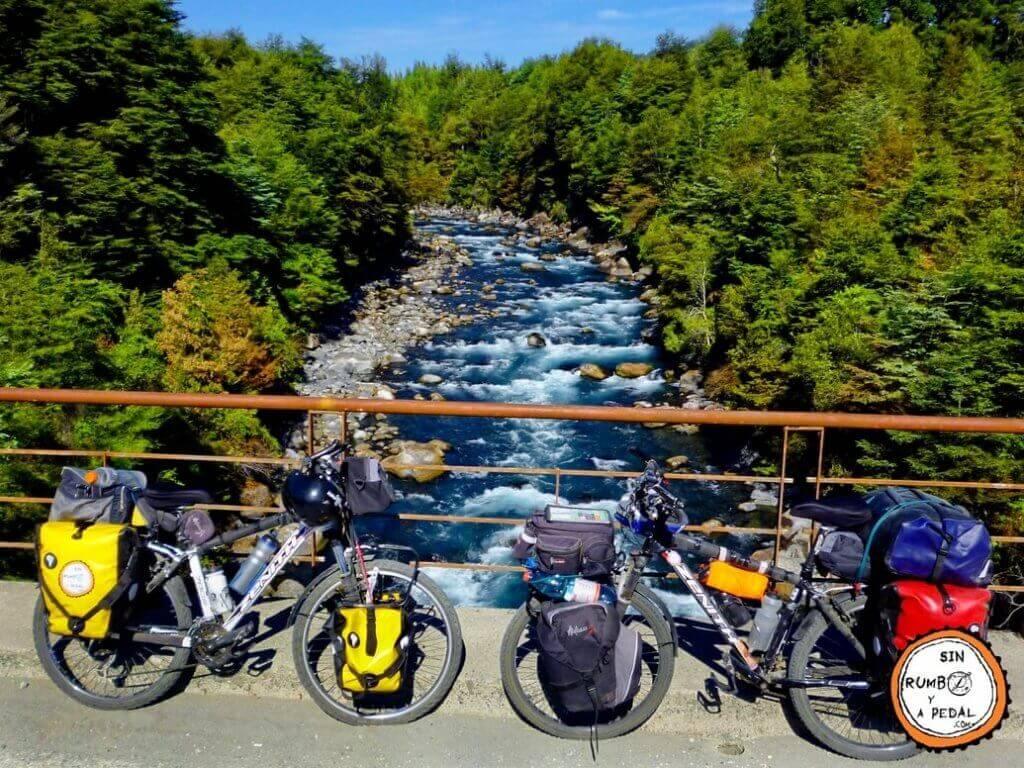 sin-rumbo-y-a-pedal-cicloturismo-bicicletas