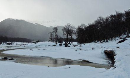 Aventura en Ushuaia: andar en bicicleta sobre hielo y nieve