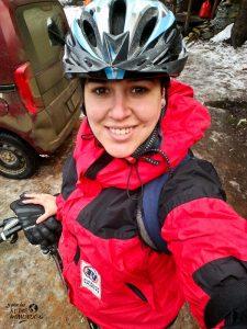 bicicleta sobre hielo en ushuaia en invierno
